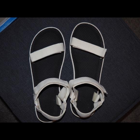 33cf170d9 Vans velcro sandals. M 5b47a30ad8a2c7b3a740f092